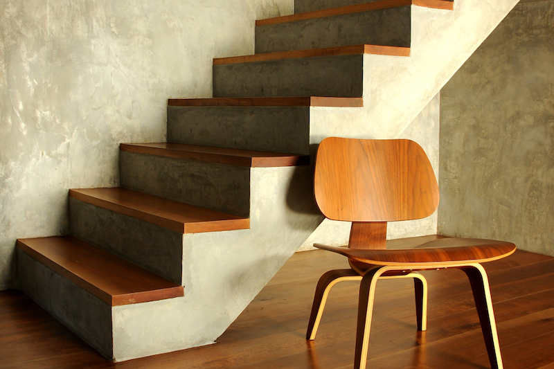 Betonnen trap met hout bekleden © Interieurdesigner